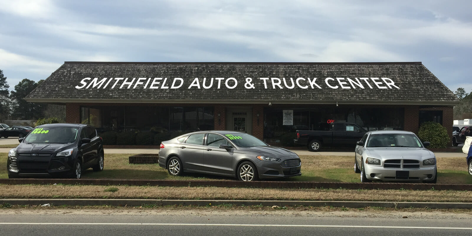 smithfield-auto-center-building-front